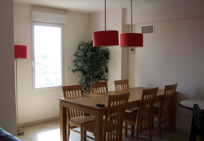 Appartement in Le Barcarès - Residence la Pinede appartement 6 pers (code 9.02)