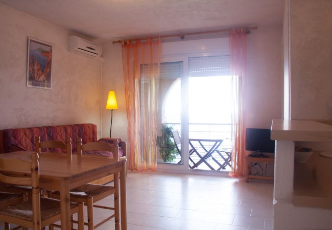 Appartement in L´Ile-Rousse - Appartement Corsica (code 8.70)